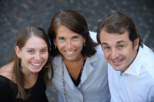 Emilia Caralt (en el centro)